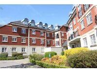 2 bedroom flat in Eastcote Road, PINNER, HA5