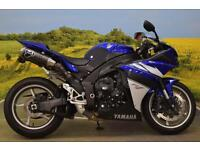 Yamaha YZF-R1 2011**L.E.D. INDICATORS , ADJUSTABLE SUSPENSION, RIDER MODES**