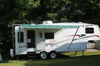 *REDUCED* 2004 Fifth Wheel Trailer