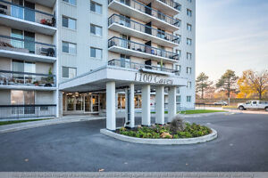 1100 Caven - MASSIVE 3 Bedroom condo in the heart of LAKEVIEW!