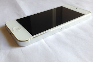 Apple iPhone 5 16GB White Bell Virgin Near Perfect Condition 150