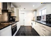 Spacious 5 double bed 2 bath house with garden minutes from Mile End Tube LT REF 2213405