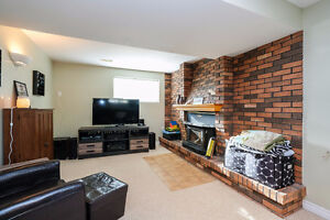 GREAT LASALLE HOME LOCATED ON A LARGE LOT ACROSS FROM A PARK~ Windsor Region Ontario image 11