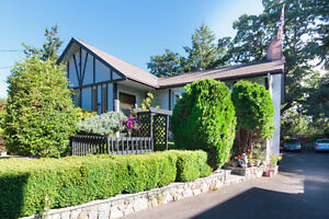 Ideal Family home in and Ideal Neighbourhood! MUST SEE!