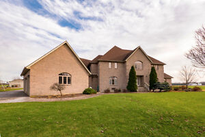 8620 SHORT SNAKE LANE, LASALLE - 5 BEDROOM ESTATE HOME