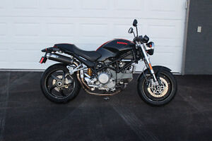 2006 black and red Ducati Monster S2R