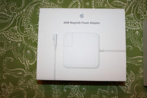 Apple 60W Magsafe Power Adapter for Macbook (MC461LL/A)