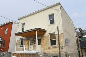 FULLY RENOVATED 5 BEDROOM, 2 BATH HOUSE IN CENTRETOWN!