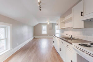 Brand new, bright + beautiful 3 bdrm in Collingwood!