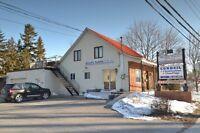 Bâtisse commerciale/Bureau à vendre à Chomedey (Laval)
