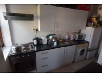 1 bedroom flat in Empress Avenue, Ilford, IG1