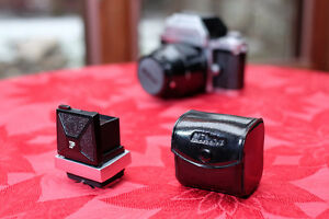 Nikon F waist-level view finder - late style