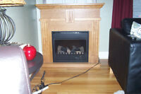 ELECTRIC MANTEL FIREPLACE/HEATER COMBO c/w REMOTE