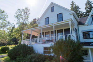 Newly renovated home combines class, elegance and country charm!