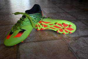 Size 6 Messi cleats