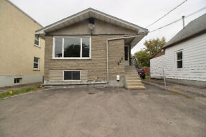 CENTRAL 5 Bedrooms ***2 Kitchens***
