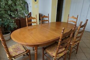 Solid Maple Roxton Dining Set