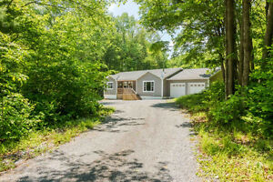 SMRT- 65+ acres with beautiful walk-out bungalow!