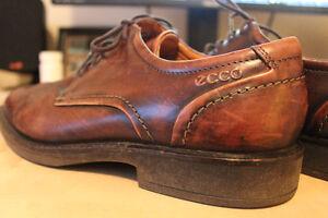 LIKE NEW Ecco Brown Genuine Leather Oxfords size 40 (US 8) Kingston Kingston Area image 2