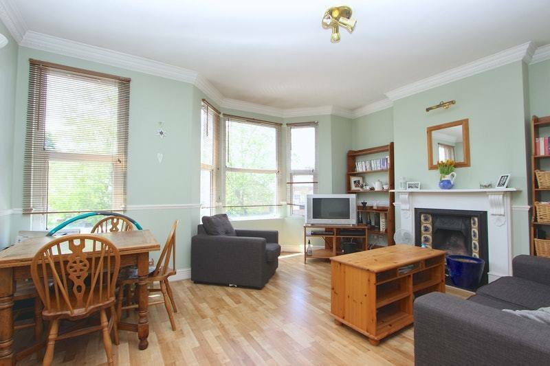 2 bedroom flat in Hither Green Lane, London, London, SE13