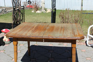 Oak Kitchen Table and Chairs  (JUST REDUCED) FOR QUICK SALE!