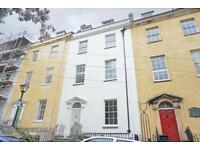2 bedroom flat in Bellevue, Clifton, Bristol, BS8 1DA