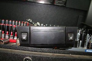 CHRYSLER 300 ASHTRAY AND SWITCHES FOR HEATERSEATS