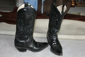 Cowboy Boots Black Size 10      Men /Ladies