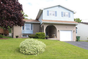 11 Camilla Court - OPEN HOUSE, Sunday, June 25th, 2PM-4PM