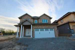 FONTHILL Brand New -Upgraded- 4 Bdrm 2.5 Bath