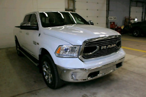 2017 Ram 1500 Limited Crew Cab 4x4, AIR, Private Sale! Only 19km