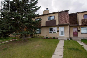 PRICE DROP - NO CONDO FEES!! 3 bed, 1.5 bath townhouse for sale!