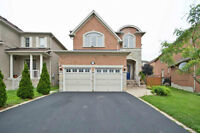 Immaculate 4Bdrm+1,3Full Bathroom Located In A Very Quiet Street