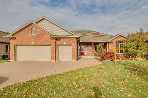 Executive Home On The Golf Course - 2260 Jack Nash Dr