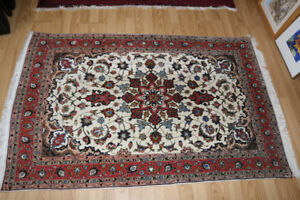 SILK AND WOOL PERSIAN CARPET 5 FEET BY 3 FOOT 4 INCHES