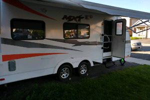 2012 MXT 20 Toy Hauler lightweight and in near new condition