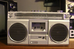 Hitachi TRK 7100 Ghetto blaster Boom Box Stereo PERFECT 10/10
