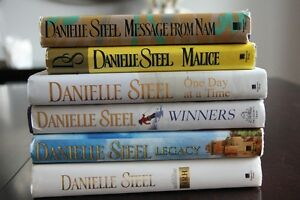 danielle steel books Kitchener / Waterloo Kitchener Area image 1
