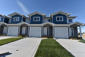 Amazing Brand New Construction! 3 Bed 2.5 Bath Townhome w/garage