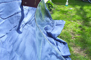 LATE 1950S FORD CAR WINDSHIELD CLEAR WITH SLIGHT TINT London Ontario image 6