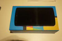 LG - Nexus 5 - 32GB - Black + Nexus Qi Charger