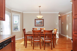 One of the nicest homes under 300K in CBS St. John's Newfoundland image 5