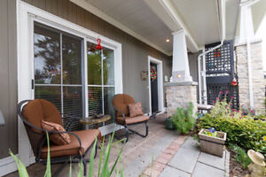 Excellent Garden-Level Townhome in Scenic Sidney