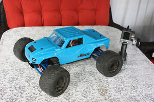 Traxxas E-Revo 1/10 RC truck with EVERYTHING you need +++