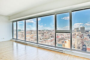 Unit 1206 CONDO,GRAND - LARGE ONE BEDROOM + THE REAL VIEW.