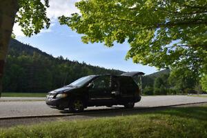 2003 Dodge Caravan ES Road Trip Van
