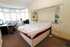 LARGE DOUBLE ROOM TO LET IN STRATFORD,CANNING TOWN,PLAISTOW,ILFORD