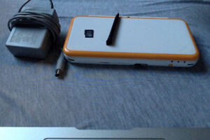 Nintendo 2DS XL w/charger, stylus