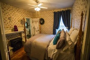 Niagara on the Lake - Quiet Clean Suites with Private Bathroom