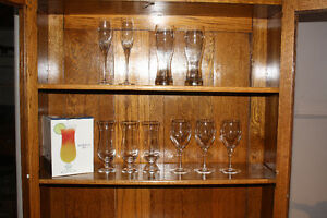 Miscellaneous bar glasses. The lot for $25